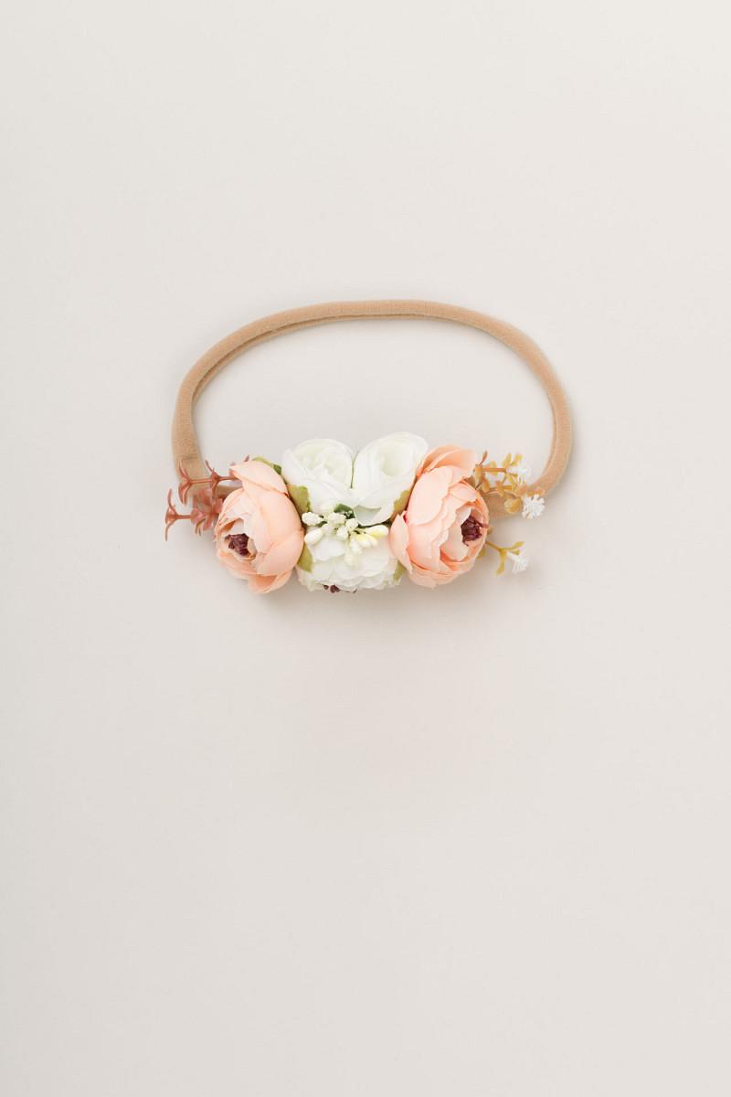 Naglavni okrasek rožice - trak (marelično bela)